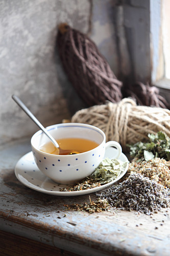 A cup of tea with mix-it-yourself herbs