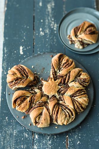 A nut nougat bread flower with hazelnuts