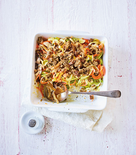 Leek mackerel with vegetable noodles (low carb)