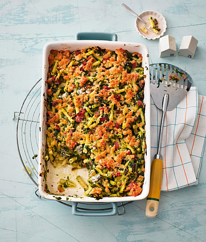 Spinach and three cheese pasta bake