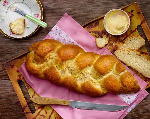 A delicate bread plait