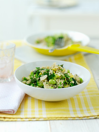 Risotto with green vegetables and lemon