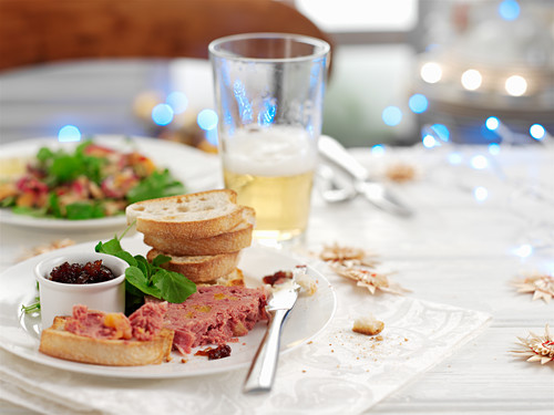 Pate with chutney on bread (Christmas)