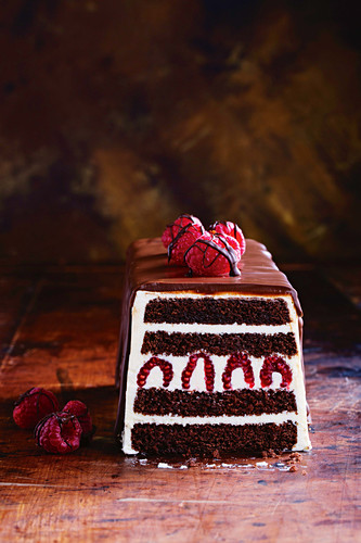 Tuxedo cake: a layered cake dessert with buttercream