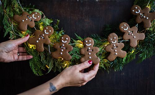 A gingerbread man wreath decoration