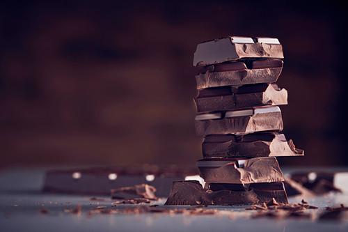 Schokoladenstücke, gestapelt
