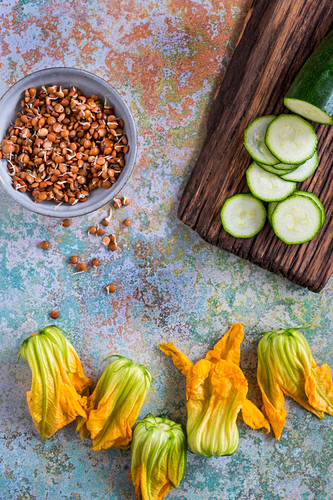 Courgette flowers, lentils and cucumber