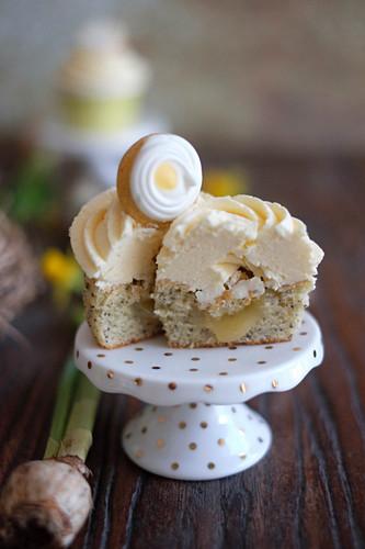 Lemon and poppyseed cupcakes for Easter
