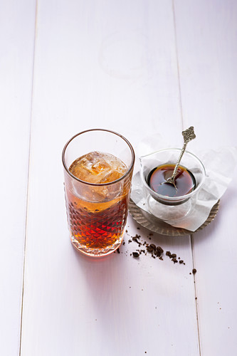 Coffee shrub spritzer with aceto balsamico (alcohol-free)