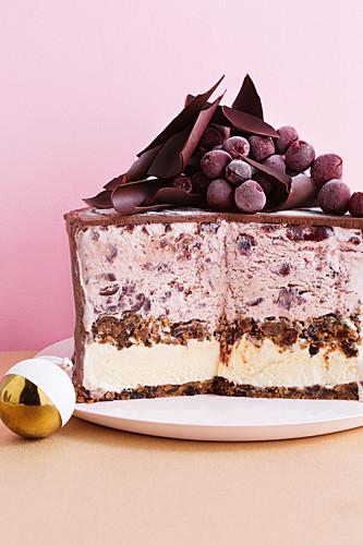 Frozen Christmas pudding cake