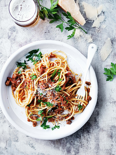 Beef, beer and bacon spaghetti