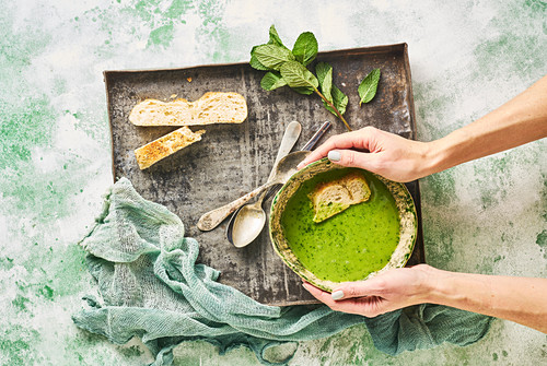 Green pea and mint soup