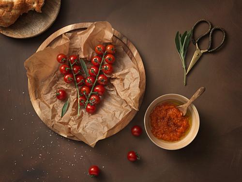 Fresh vine tomatoes and tomato sauce