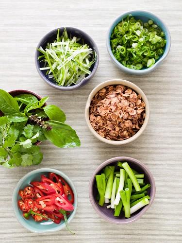 Asiatische Zutaten für pfannengerührtes Gemüse