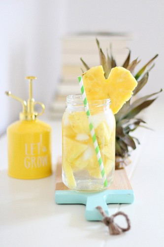 Infused water: water flavoured with fresh pineapple