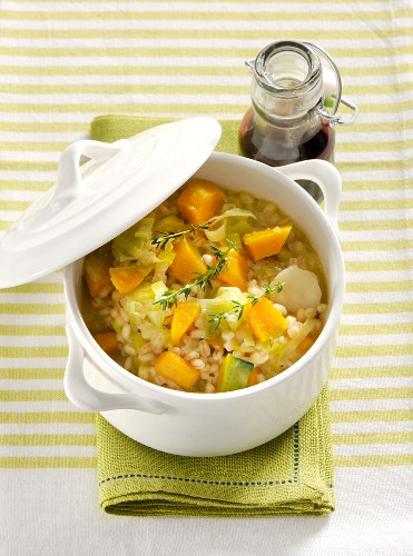 Orzotto vegetariano (barley risotto with vegetables, Italy)