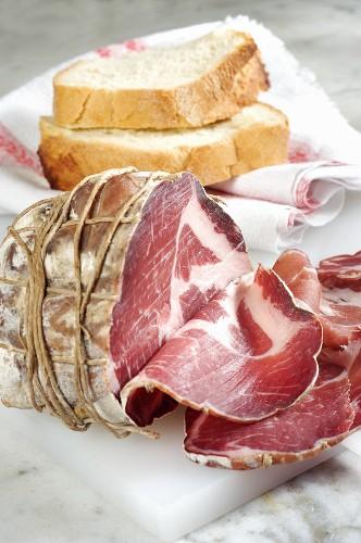 Coppa di Parma (Traditioneller Rohschinken aus Parma, Italien)
