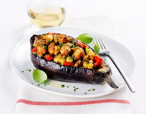 Stuffed aubergine with vegetables and meatballs