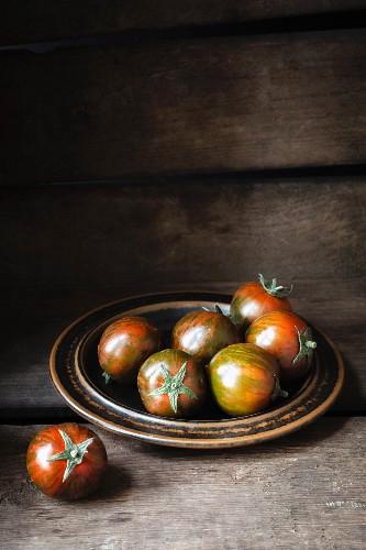 Zebra tomatoes on a ceramic plate