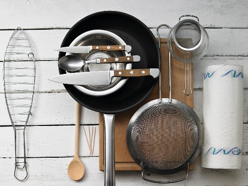 Kitchen utensils for making stuffed, grilled fish