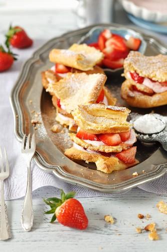 Choux pastry slices with strawberries and yogurt cream