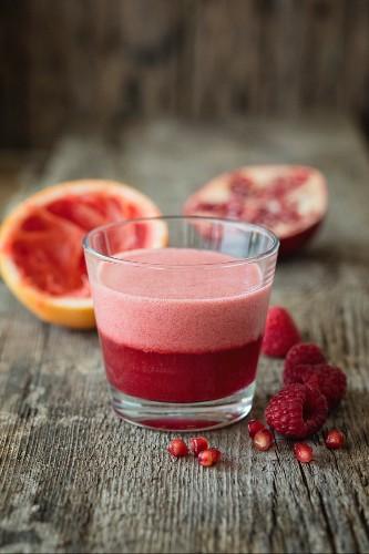 Pomegranate and grapefruit cappuccino