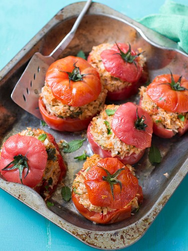 Tomatoes filled with rice and herbs