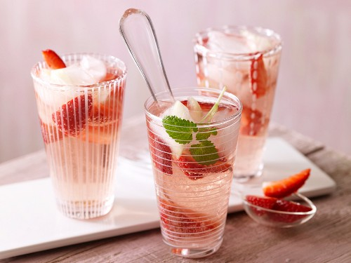 Strawberry punch with ginger ice cubes