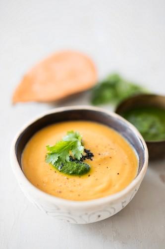 Vegan sweet potato soup with soya cream and coriander pesto (detox)