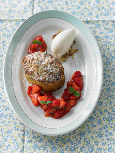 Colomba tart with ice cream and strawberries