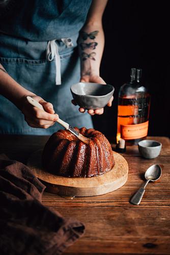 Glaze Kentucky Cake (wreath cake with bourbon, USA)