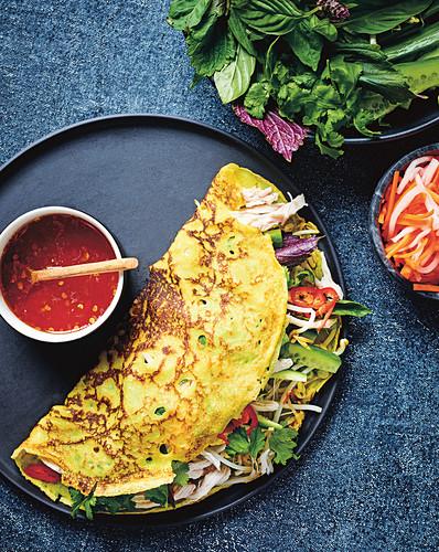 Banh Xeo (gebratener Pfannkuchen aus Reismehl, Vietnam)