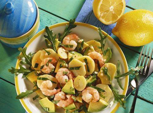 Potato salad with rocket, avocado and shrimps