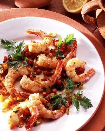 Shrimp tails with peppers and parsley