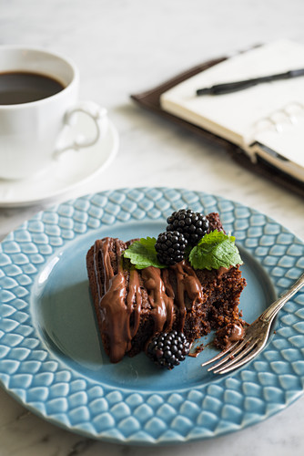Chocolate cake with blackberries