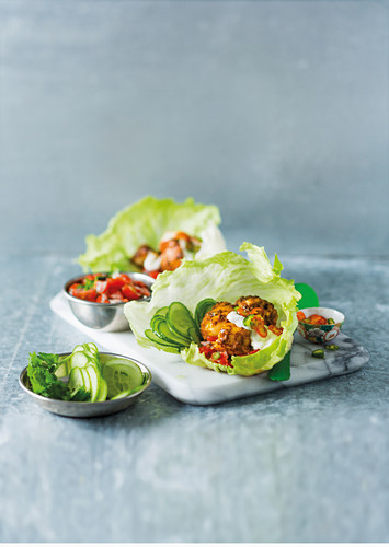 Curry fish in lettuce leaves