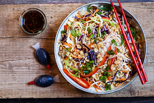 Vegan glass noodle salad with vegetables and peanuts (Thailand)