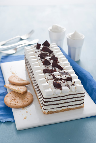 Ice cream cake with dark chocolate