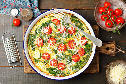 Frittata with spinach, courgette and cherry tomatoes