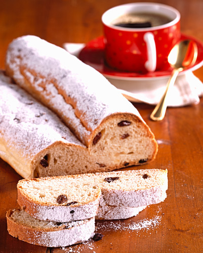 Hallesche sticks (yeast dough stollen with almonds and sultanas) for Christmas