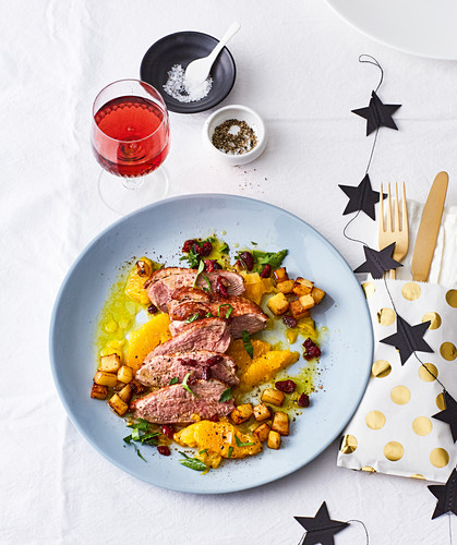 Duck breast with orange fillets and potato cubes (Christmas)