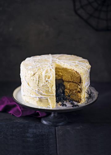 Hidden centre spider cake