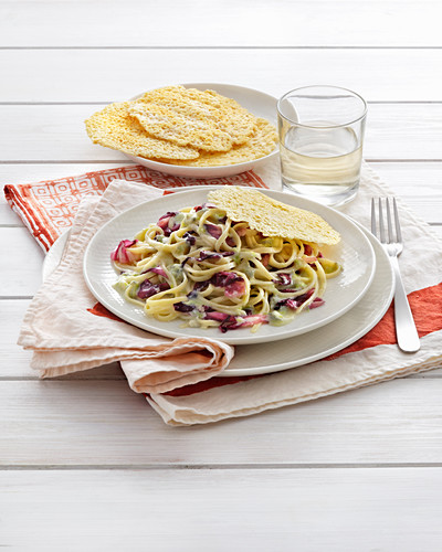 Fettuccine in gorgonzola and radicchio sauce with asiago cheese crisps