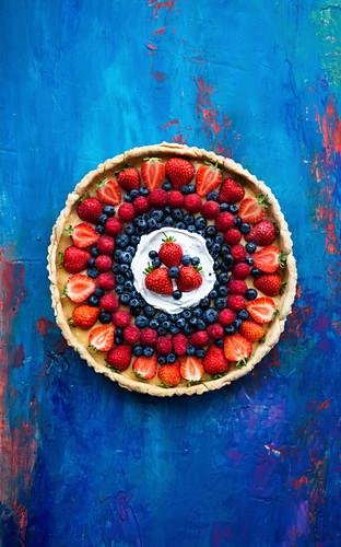 Vegan berry pudding tart