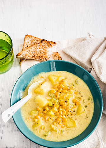 Corn and potatoe chowder (USA)