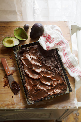 Avocado brownies with dates