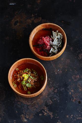 Dashi mit Rindertatar, Dashi mit Natto
