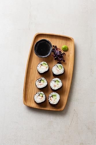 Maki with prawns, cucumber and black sesame seeds