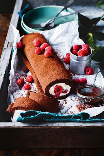 Schokoladen-Himbeer-Roulade