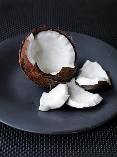 Geöffnete Kokosnuss